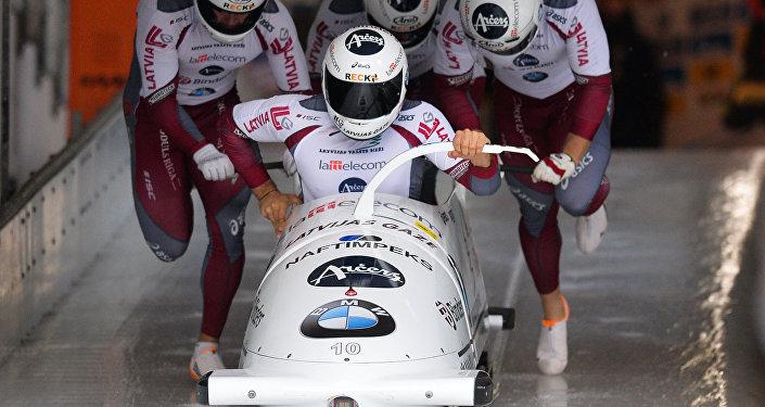 Los deportistas letones de bobsleigh