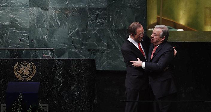 Secretario general de la ONU, Ban Ki-moon, y secretario general electo de la ONU, António Guterres