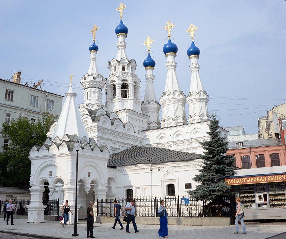 La iglesia de la Natividad de la Virgen, en Putinki, construida en el siglo XVII.