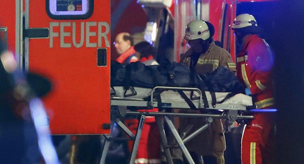 La operación de rescate en el lugar de ataque en la feria navideña en el centro de Berlín