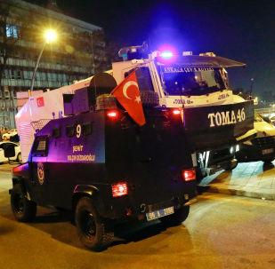 El lugar de hecho del atentado en Ankara en el cual fue asesinado el embajador ruso Andréi Kárlov
