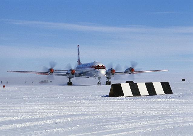IL-18, archivo
