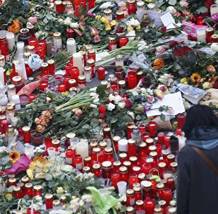 Las velas y flores en el lugar del atentado en Berlín