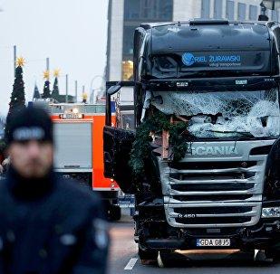 Camión que embistió contra la multitud en un mercado navideño en Berlín