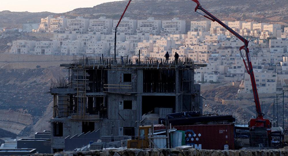La construcción de asentamientos por Israel en el territorio palestino