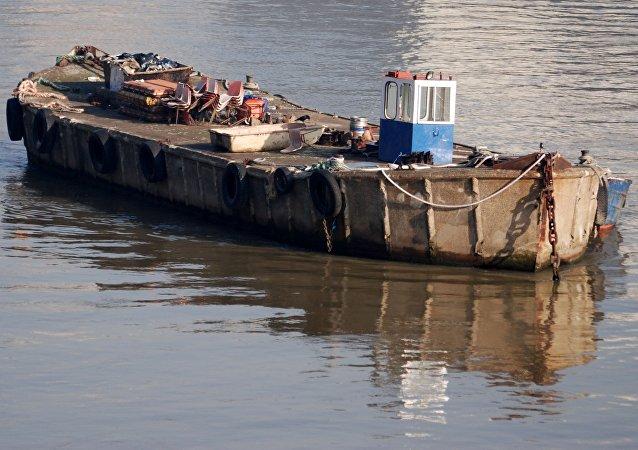 Una barcaza (imagen ilustrativa)