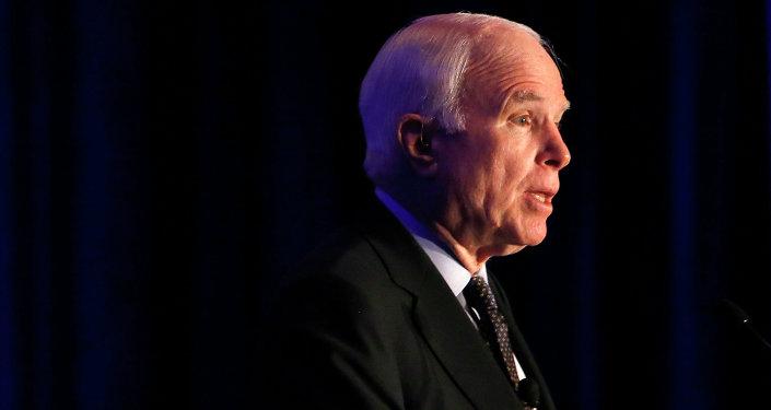 John McCain, senador estadounidense