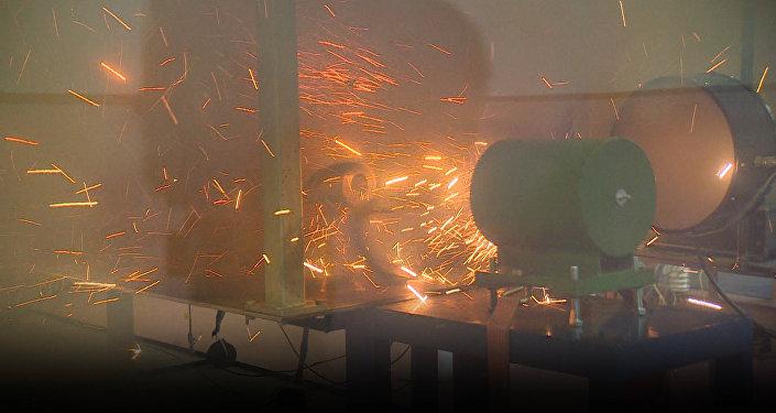 Científicos rusos prueban con éxito el futurista cañón de riel electromagnético