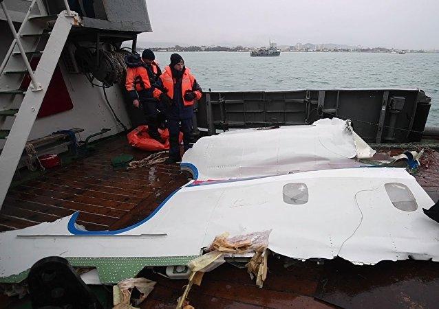 La operación de búsqueda de los fragmentos del Tu-154 ruso siniestrado en el mar Negro