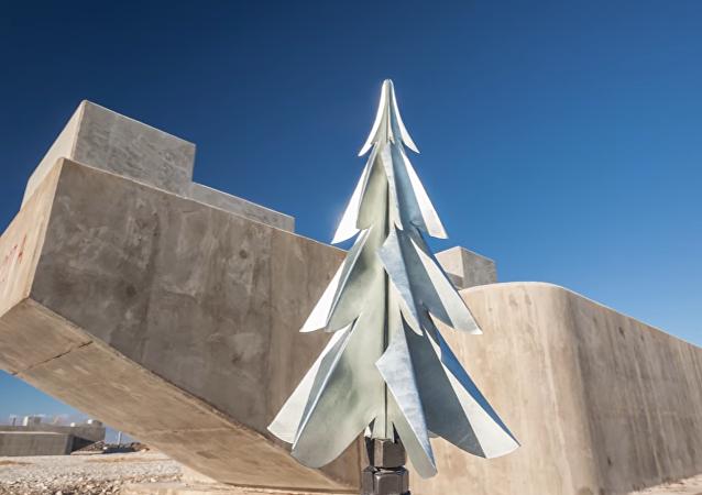 El puente de Crimea, el árbol de Navidad
