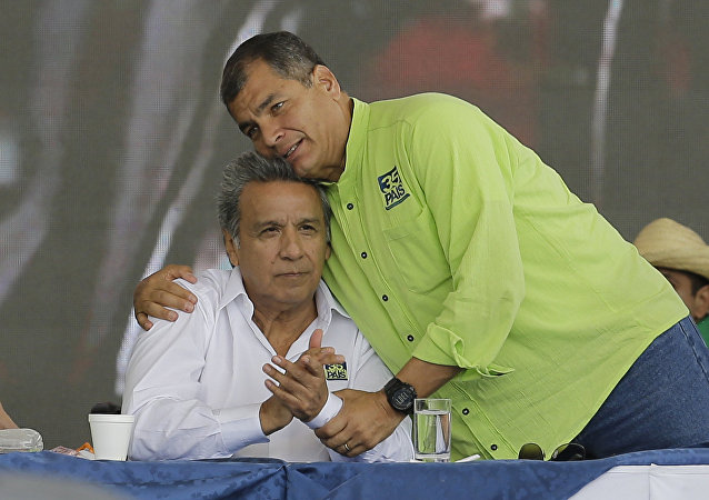 Lenín Moreno, candidato a la presidencia de Ecuador, y Rafael Correa, presidente actual