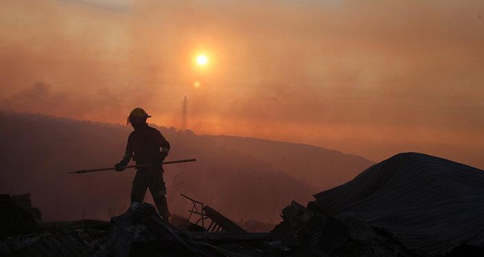 Un bombero chileno (imagen ilustrativa)