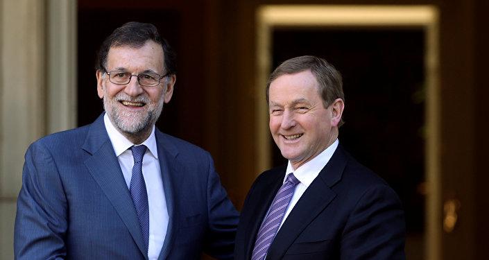 Mariano Rajoy (a la izquierda) y el primer ministro de Irlanda Enda Kenny (a la derecha)