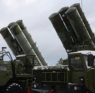 Lanzamisiles S-400 rusos