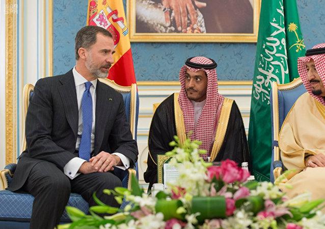 El rey saudí Salman se reúne con el rey español Felipe VI en Riad, Arabia Saudí
