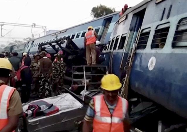 Tren descarillado en India