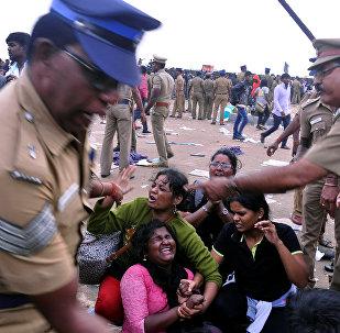 La policía dispersa una protesta contra la prohibición de Jallikattu