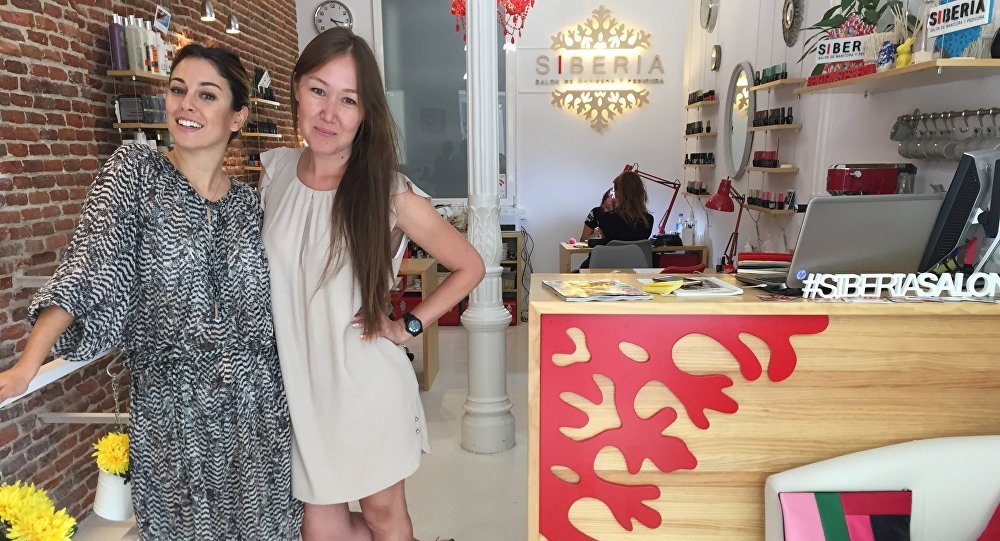 Sofya con su cliente más prestigiosa, Blanca Suárez