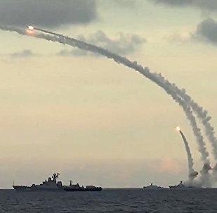 Buques rusos lanzan los misiles de crucero Kalibr (archivo)