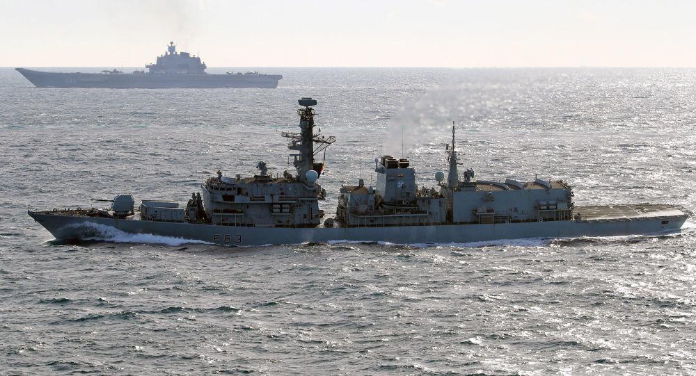 Британские ВМС и ВВС сопровождают авианосец Адмирал Кузнецов