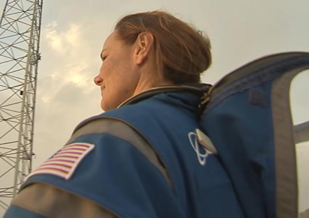 Novedoso traje espacial de Boeing