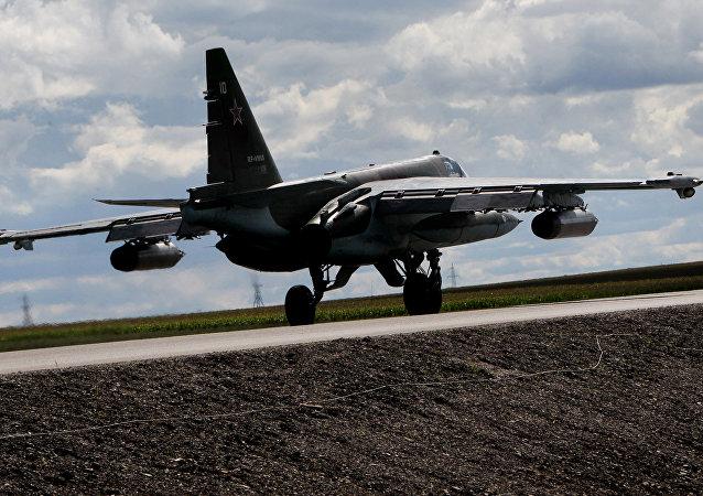 Avión de ataque terrestre Su-25, foto archivo