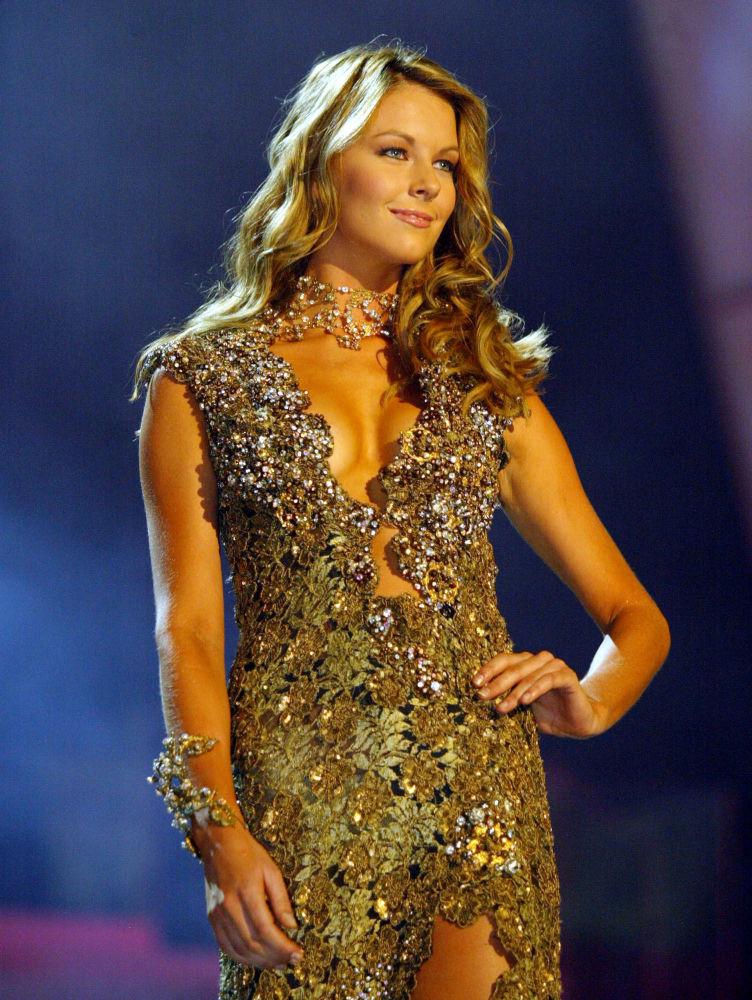 Jennifer Hawkins, de Australia, Miss Universo 2004