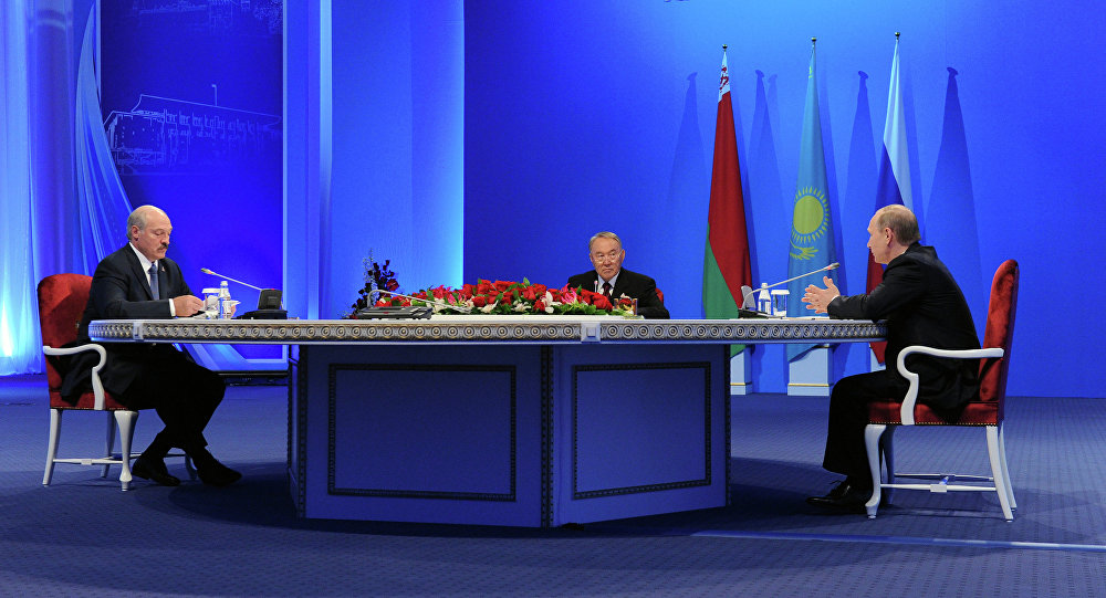 Президенты России, Казахстана и Белоруссии Владимир Путин, Нурсултан Назарбаев и Александр Лукашенко