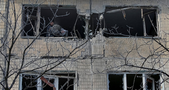 Edificio destruido por bombardeos en el este de Ucrania (archivo)