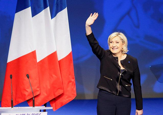 Candidata presidencial y líder del partido Frente Nacional, Marine Le Pen