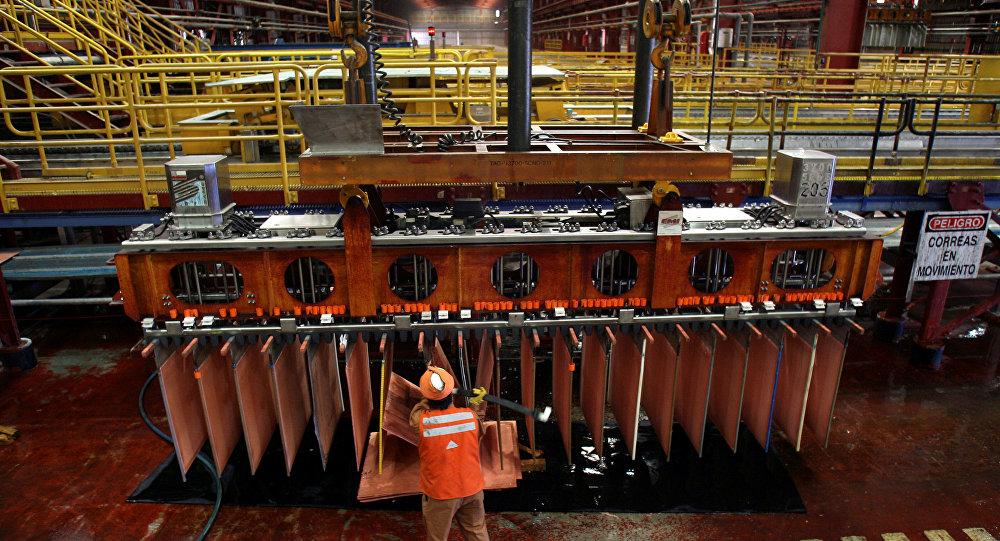 Un minero chileno en el yacimiento de cobre Escondida
