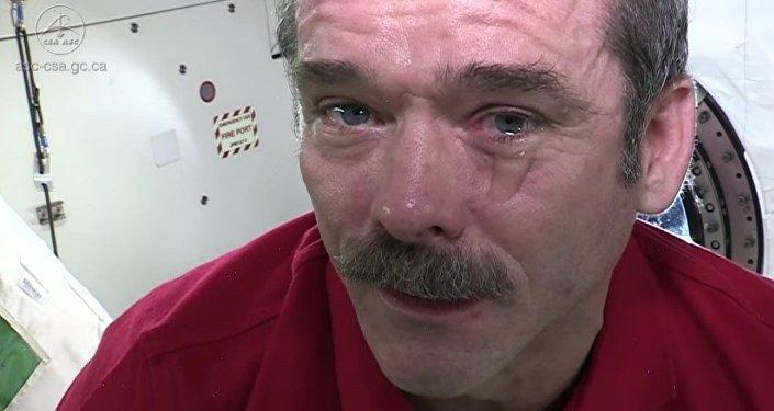 ¿Se puede llorar en el espacio?