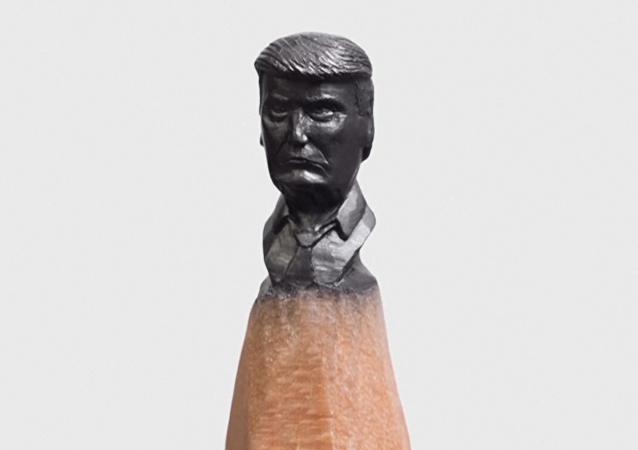 Vídeo: Pequeños Putin y Trump en las minas de lápices