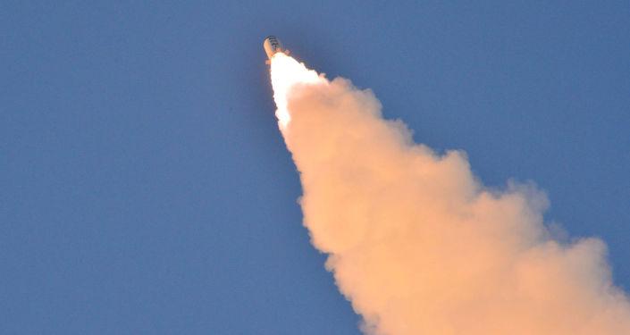 El lanzamiento del un misil balístico norcoreano (archivo)