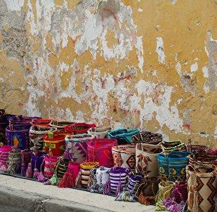 Artesanías indígenas Wayú, en Colombia