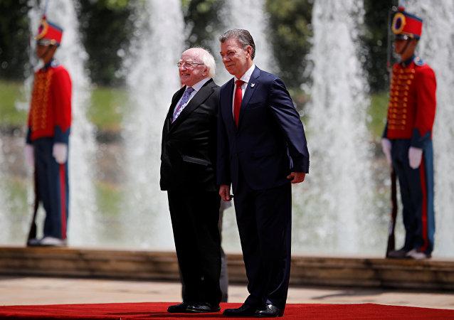 Michael D. Higgins, presidente de Irlanda, y Juan Manuel Santos, presidente de Colomia