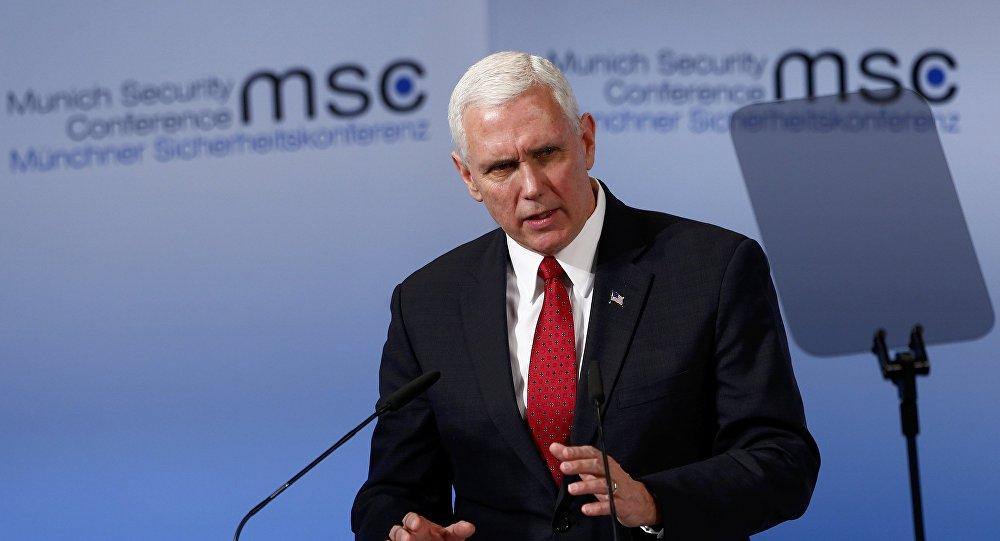 Vicepresidente de EEUU, Mike Pence, durante la conferencia de Munich