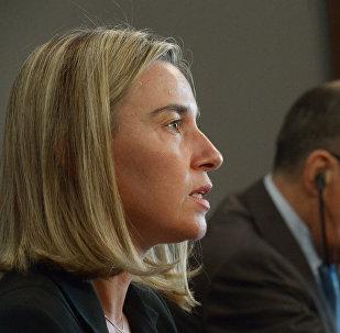 Federica Mogherini, alta representante de la Unión Europea, y Serguéi Lavrov, ministro de Exteriores ruso (archivo)