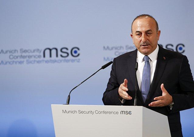 Canciller turco, Mevlüt Cavusoglu, en la conferencia de Múnich