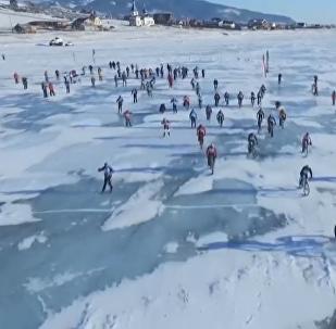 'Tormenta de Hielo', la carrera extrema sobre el hielo del lago Baikal