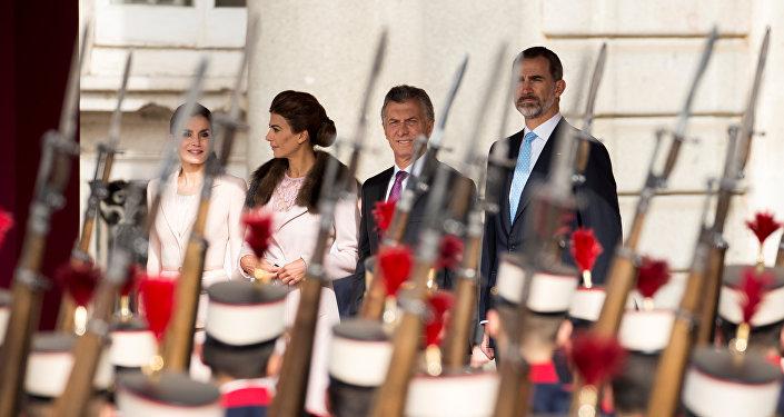 Reina de España, Letizia Ortiz, primera dama de Argentina, Juliana Awada, presidente de Argentina, Mauricio Macri, y rey de España, Felipe VI