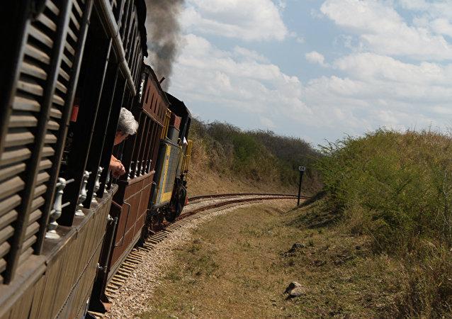 Un tren cerca la ciudad cubana de Sancti Spíritus