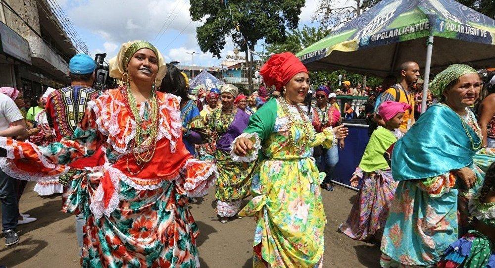 Carnaval de el callao una tradici n venezolana que for Costumbres de grecia