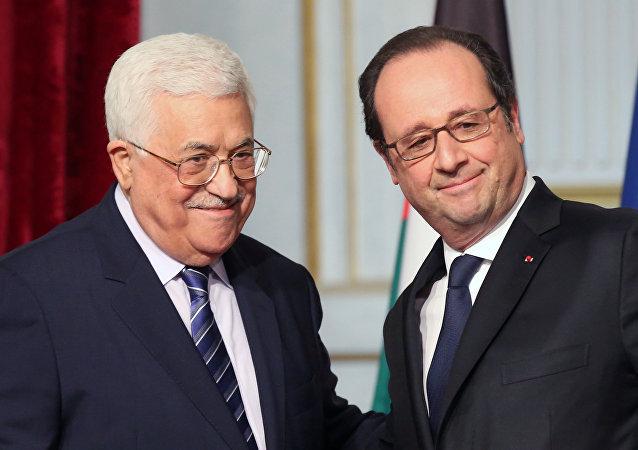 El presidente francés, François Hollande, y el presidente palestino, Mahmud Abbas