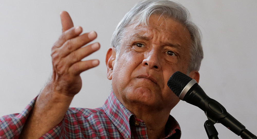 Andrés Manuel López Obrador, líder del izquierdista Movimiento de Regeneración Nacional Morena (Morena)