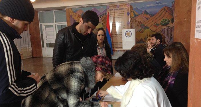 Votación en Armenia (archivo)