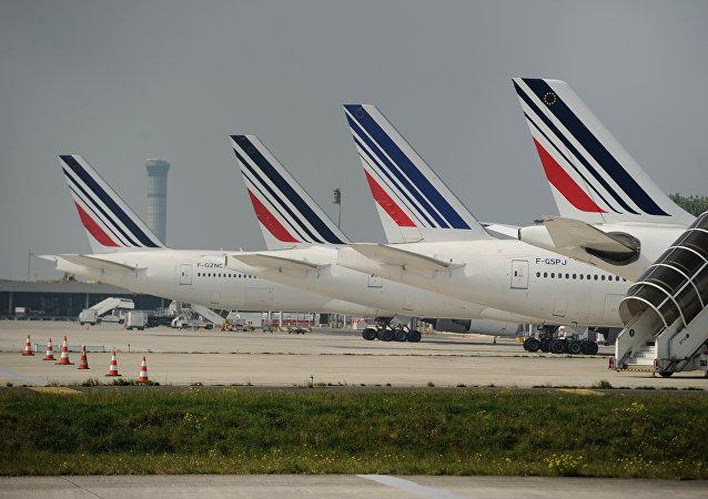 Aviones en el aeropuerto de París - Charles de Gaulle (archivo)