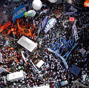 Marcha de la Confederación General del Trabajo (CGT) en Buenos Aires