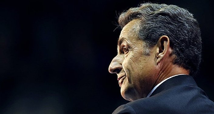 Sarkozy declara bajo arresto por la financiación de su campaña