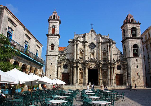 La catedral de La Habana temprano en la mañana